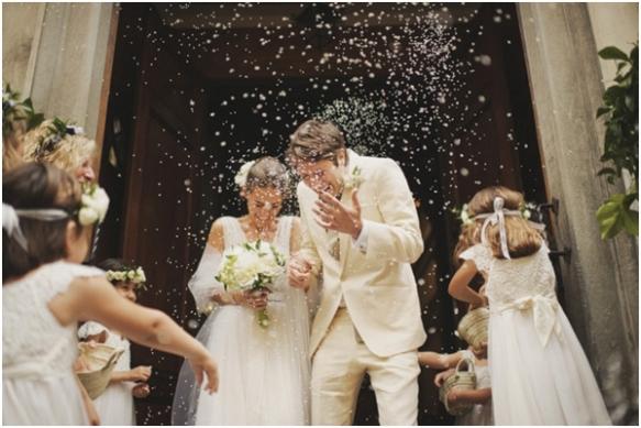 traditional rice wedding toss
